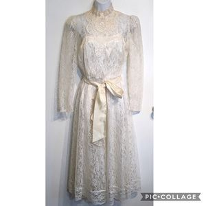 Vintage Lace High Neck Long Sleeve Wedding Dress
